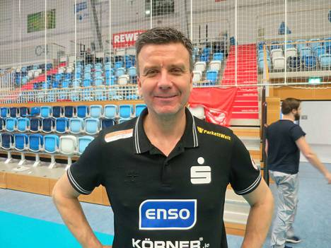 Dresdner SC:n valmentaja Alexander Waibl on perehtynyt myös Suomen liigaan.