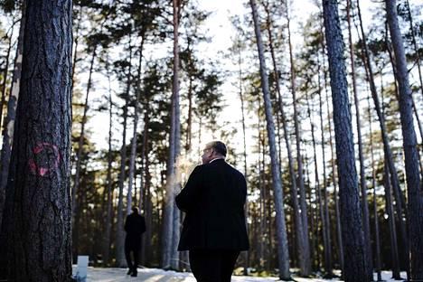 Julkisuudesta ulkoministeri Timo Soini (sin.) kertoi sen verran, että media on ollut kohtuullinen ja kohtuuton. –Sellaista julkisuus on. En inise enkä valita.