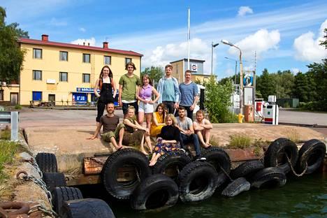 Meriteatterin lauluilta Minun rakkaat rantani oli Röölässä vuonna 2016.