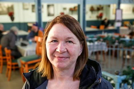 Kuopiolainen Tuula Lommi kertoi lukevansa juuri Minna Canthista kertovaa kirjaa Rouva C. –Onhan hän ollut ihan poikkeuksellinen nainen siihen aikaan, ja samat teemat pätevät yhä, naisten tasa-arvo ja myös yhteiskunnallinen tasa-arvo. Hän oli vahvasti köyhien puolella.