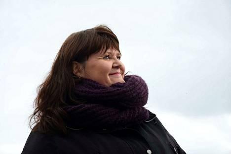 Riitta Haapala kertoo, että hänen vaaliteemojaan ovat muun muassa lasten ja nuorten hyvinvointi.