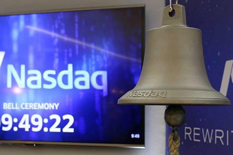 Helsingin pörssi soittaa kelloja kansainvälisen naistenpäivän kunniaksi.