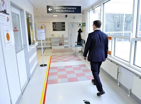 Sairaanhoitopiirin johtajan Ermo Haaviston mielestä nyt ei Satakunnassa suinkaan pidä pysähtyä, vaan kävellä oman Satasoten kanssa määrätietoisesti eteenpäin.