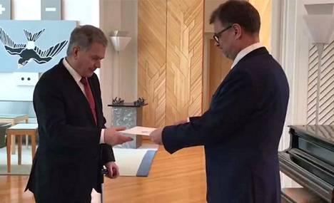 Presidentti Sauli Niinistö myönsi eron pääministeri Juha Sipilän porvarihallitukselle.