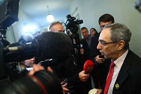 Ben Zyskowiczin mukaan sote kaatui itse asiassa siihen, kun perustuslakivaliokunta totesi, ettei ole edellytyksiä viedä eteenpäin maakuntien tehtävien siirtoa käsittelevää Maku kakkosta.