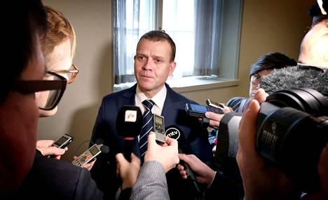 Petteri Orpo kommentoi hallituksen kaatumista eduskunnassa. Arkistokuva.