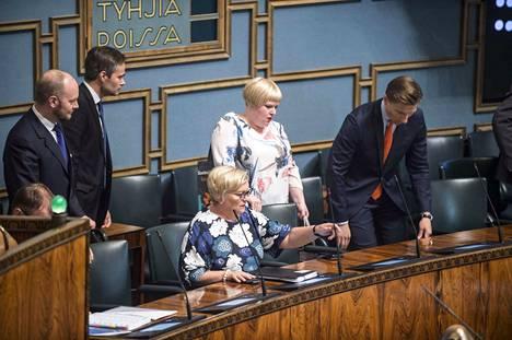 Eduskunta hyväksyi perjantaina tiedustelulait ensimmäisessä äänestyksessä.