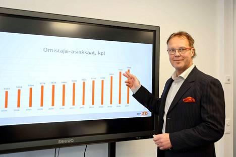 Kaikki yhdistyvät pankit ovat vakavaraisia ja kasvavia. Toimitusjohtaja Juha Luomala esitteli viime vuonna OP Valkeakosken hyvää tulosta.