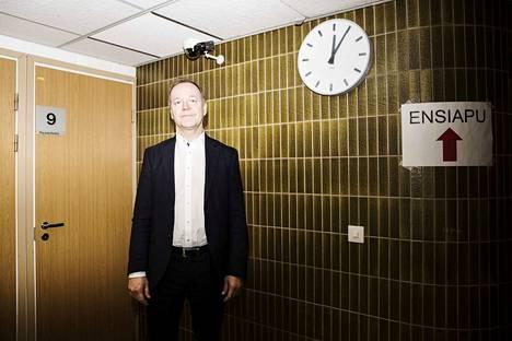 Nokian kaupunginjohtaja Eero Väätäinen katsoo, että jos ja kun seuraava hallitus aikoo uudistaa sote-palveluja, olisi hulluutta kokonaan sivuuttaa yksityiset yritykset. –Isännän ääntä pitää kuitenkin käyttää julkisen sektorin, ja yksityisen sektorin toimia renkinä, Väätäinen sanoo. Viime vuonna Nokia harkitsi liittymistä Mänttä-Vilppulan ja Juupajoen yhteistoiminta-alueeseen, jolloin sote-palveluja olisi Nokialla tuottanut Pihlajalinna.