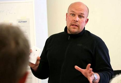 Kaupunginhallituksen puheenjohtaja Kalle Leppikorpi toivoo, että Satakunnassa jatkettaisiin ponnisteluja sosiaali- ja terveyspalvelujen maakuntamallin rakentamisessa.