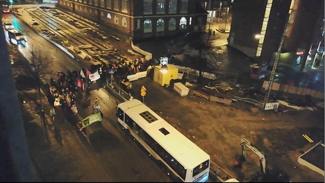 Mielenosoitus lähti liikkeelle Tullintorilta.