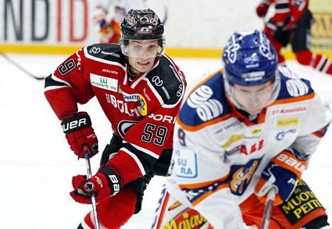 Mikael Saha on pelannut puolustajana kauden parhaalla tasollaan. Sportia vastaan tuli tehot 1+1.