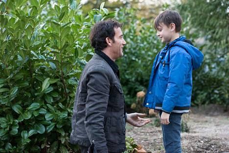 Elokuvassa The Confirmation syvennytään lämpimällä otteella isä–poika-kuvioon.