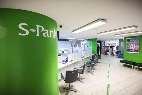 S-pankin arvion mukaan neuvottelut voivat johtaa enintään 50 henkilön työsuhteen päättymiseen.
