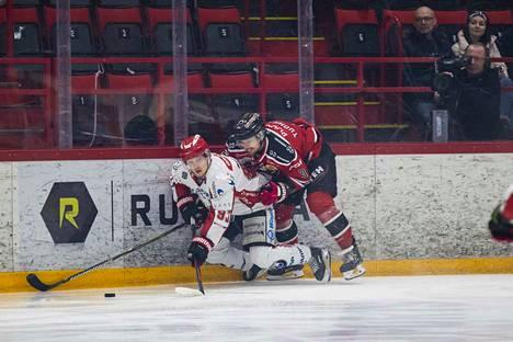 Ässät kohtasi Sportin Porissa 9. maaliskuuta.