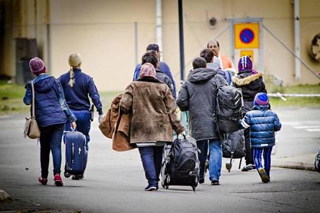 Turvapaikanhakijoiden hakemukset halutaan monen puolueen vaaliohjelman mukaan käsitellä nopeammin. Arkistokuva turvapaikanhakijoiden järjestelykeskuksesta Torniosta.