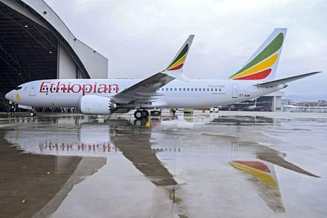 Onnettomuuskone oli tyypiltään Boeing 737 MAX 8. Rekisteritunnuksen perusteella kuvan koneyksilö ei ole sama kuin aamun turmassa ollut kone.