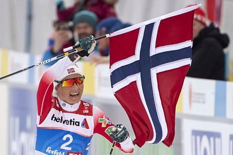Therese Johaug jatkoi Holmenkollenilla siitä, mihin MM-kisoissa jäi.