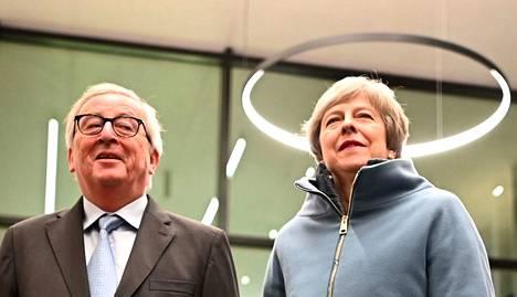 Britannian pääministeri Theresa May ja Euroopan komission puheenjohtaja Jean-Claude Juncker tapasivat maanantai-iltana Ranskan Strasbourgissa.