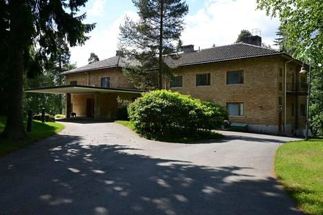 Antinkärjen talo on rakennettu vuonna 1953. Rakennushistoriallinen selvitys tehtiin vuonna 2015.