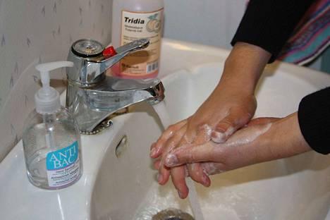 Hyvä käsihygienia on paras keino välttää influenssa.