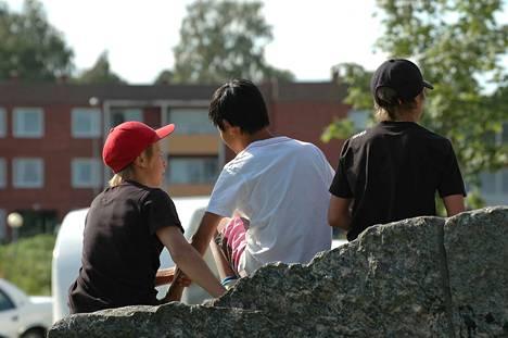 Suomalaisnuoret kokevat entistä enemmän turvattomuutta ja epävarmuutta, mutta heidän luottamuksensa tulevaisuuteen on kuitenkin kasvanut. Kuvituskuva.