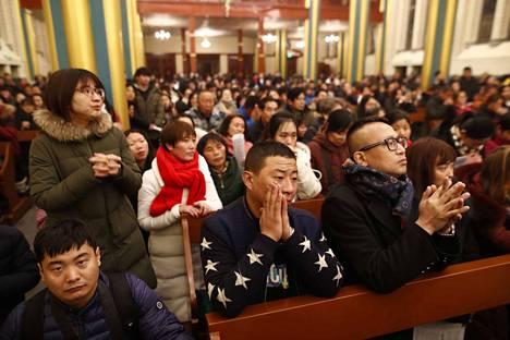 Kiinan pääkaupungissa Pekingissä katoliset osallistuivat joulumessuun viime vuonna.