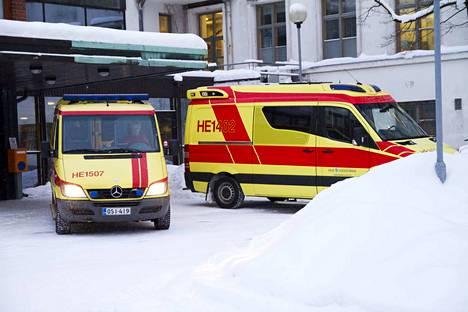 Ambulanssia kuljettanut nainen tuomittiin liikenneturvallisuuden vaarantamisesta 30 päiväsakkoon. Kuvituskuva.
