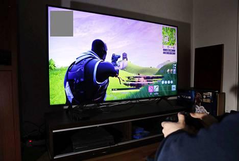 Poliisi epäilee espoolaisen miehen lähetelleen porilaisille pojille seksuaalisävytteisiä viestejä muun muassa suositun Fortnite-pelin kautta. Kuvituskuva.