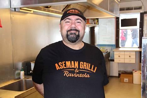 Ibrahim Tûrkmen avaa rautatieaseman kupeeseen Aseman grillin ja ravintolan.