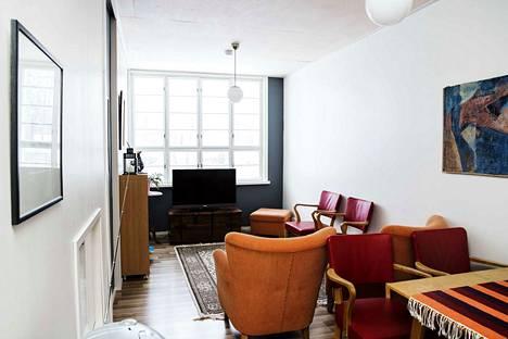 Vanhaan rakennukseen on kunnostettu kaikkiaan seitsemän osuuskunnan osakkaiden asuntoa.