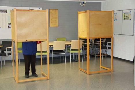Eduskuntavaalit lähestyvät. Ehdokasasettelu vahvistettiin torstaina.