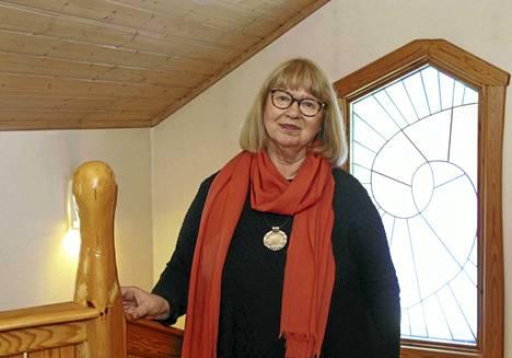 Kirjailija Hannele Huovi juhlii merkkipäiväänsä yhdessä keuruulaisten kanssa koko perheen konsertissa koulun salissa ja runomatineassa Kimarassa.