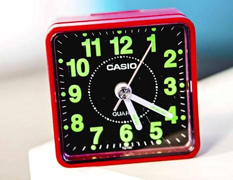 Voisiko joskus mennä niin ajoissa nukkumaan, että heräisi jo ennen herätyskellon pärähdystä?