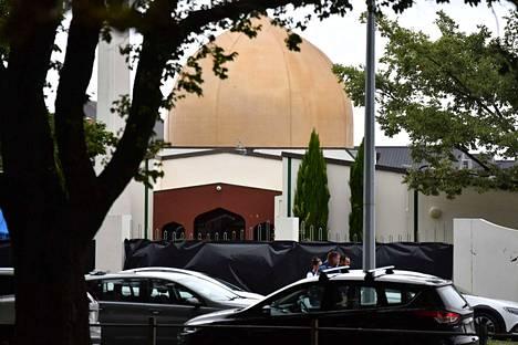 Suurin osa iskusta kohdistui Al Noorin moskeijaan Christchurchissa, jossa menehtyi lauantaiaamun tiedon mukaan yli 40 ihmistä.