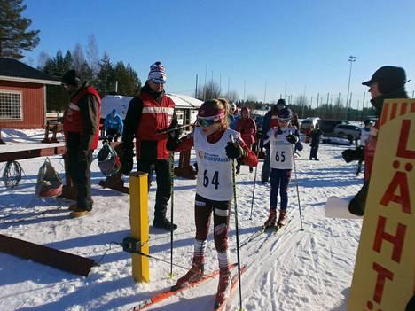 Hetaliina Karkiainen voitti N12-sarjan 3 kilometriä Joutsassa sunnuntaina.