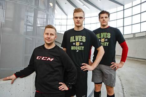 Olli Salo (vas.), kuuluu Ilveksen valmennusryhmään. Joona Koppanen ja Otto Koivula ovat jo muilla mailla.