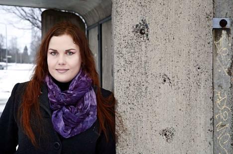Hanna-Riikka Kuisma kuvaa uutuusromaanissaan koskettavasti urbaanin kurjuuden suruja ja kipuja.