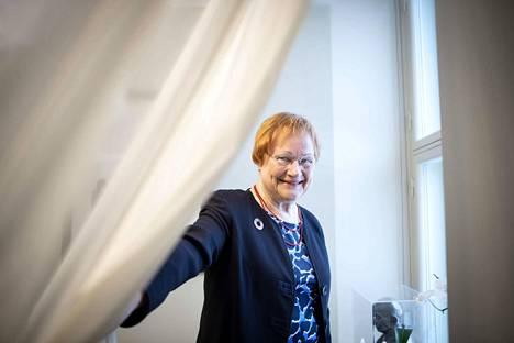 Presidentti Tarja Halonen saa tiistaina Minna Canth -tasa-arvopalkinnon. Halonen arvostaa Canthia suuresti, vaikka nuoruusvuosina Kalliossa kuopiolainen kauppiasrouva vaikutti etäiseltä hahmolta.