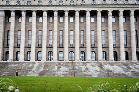 Eduskuntataloon valitaan huhtikuussa uudet kansanedustajat.