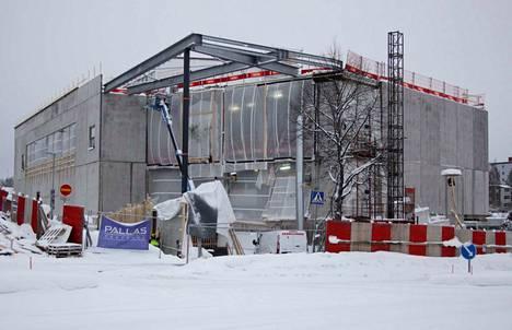 Nokian uuden kirjastotalon työmaan tuhotöistä epäiltyjä epäillään myös Nokian Viholassa sijaitsevan omakotitalon sotkemisesta.