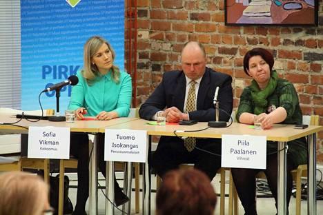 Sofia Vikman (kok), Tuomo Isokangas (ps) ja Piila Paalanen (vihr).