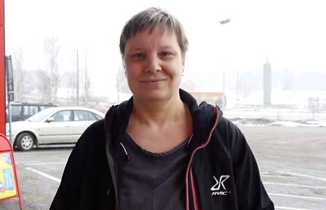 Jämsänkoskella asuva Mari Ojansivu nauttii kotikaupunkinsa luonnossa. –Usein liikun luonnossa myös kameran kanssa.
