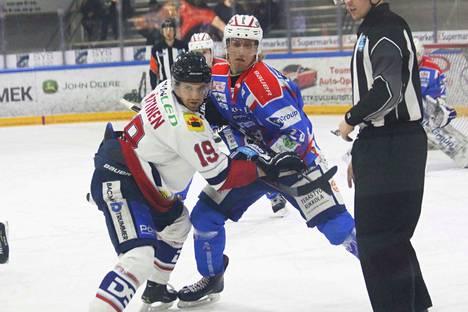 Jussi Nättinen ja Valtteri Lehtonen ottivat miehestä mittaa aloituksen jälkeen.