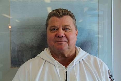 Jukka Malminen on ehdokkaana eduskuntavaaleissa Seitsemän tähden liikkeestä. Hän on tuttu näky uimahallilla. –Vuoden aikana kävin hallilla 536 kertaa, salilla ja uimassa, hän kertoo.