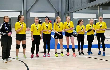 Tyttöjen mestariksi Tesoman palloiluhallin parketilla pelasi Hatanpään joukkue.