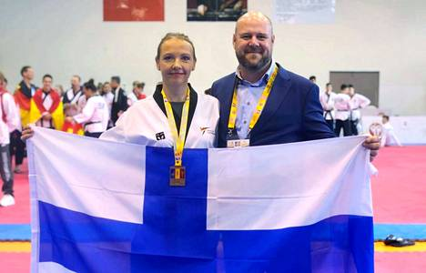 Niina Virtala nappasi EM-mitalin yksilösarjassa sekä ryhmäsarjassa, mistä iloitsi myös maajoukkueen valmentaja Marco Halonen. Suomi saavutti Turkissa kaikkiaan kolme pronssisijaa.