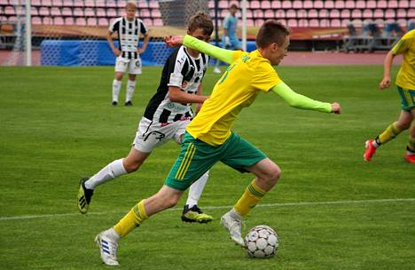Keskikentän kiituri Maksim Stjopin vastasi Ilveksen 3–1-voittomaalista Ratinan stadionin suotuisella nurmella TPS:n poikia vastaan.