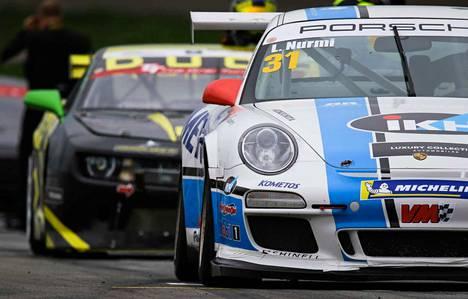 Ennen viikonlopun tuplakisaa Luka Nurmella on allaan kovatahtinen kausi, mittava määrä kilometrejä sekä tiukka viime hetken rupeama: torstaina testikierroksia kerättiin rallicrossin merkeissä Honkajoella ja perjantaina nuori kuski harjoittelee jo Porschen ratissa Alastarossa.