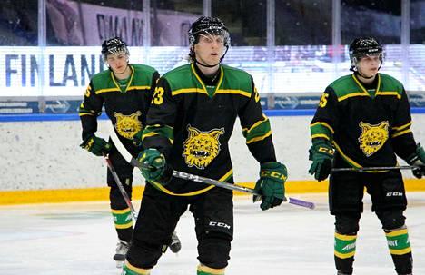 Kim Nordström (23), Julius Korjus (oik.), Kalle Hällfors ja muut tupsukorvat saivat käännettyä kelkan liigakauden nihkeän alun jälkeen.